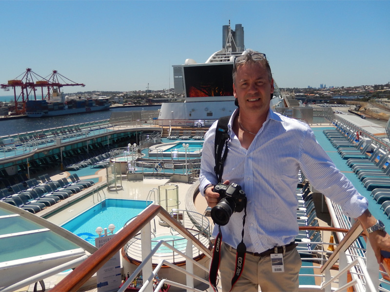 cruise-expert-the-walking-critic-blog-writer