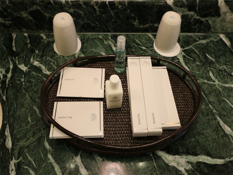 RAFFLES bathroom amenities