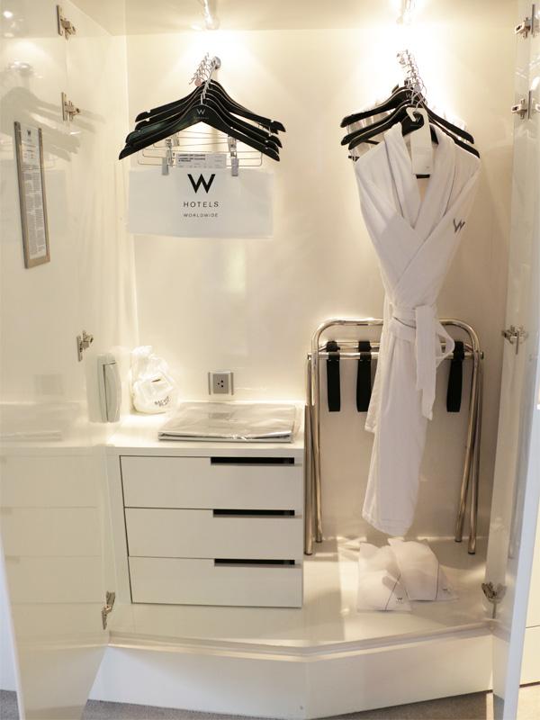 W-BANGKOK-cupboard-hanging--&-storage-space