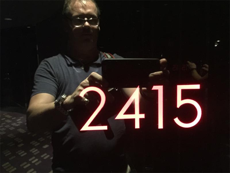 W-BANGKOK-room-2315-Spectacular-Room-door-sign