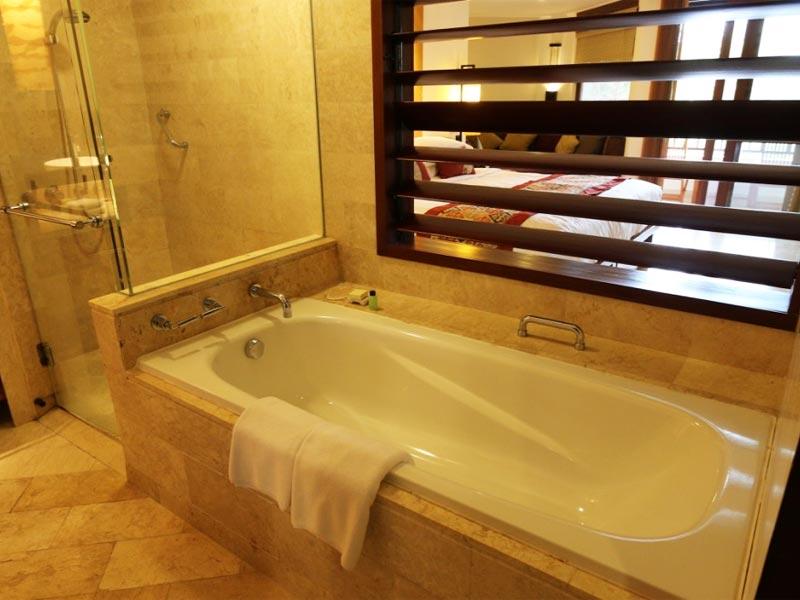 GRAND HYATT NUSA DUA HOTEL REVIEW BALI bathroom
