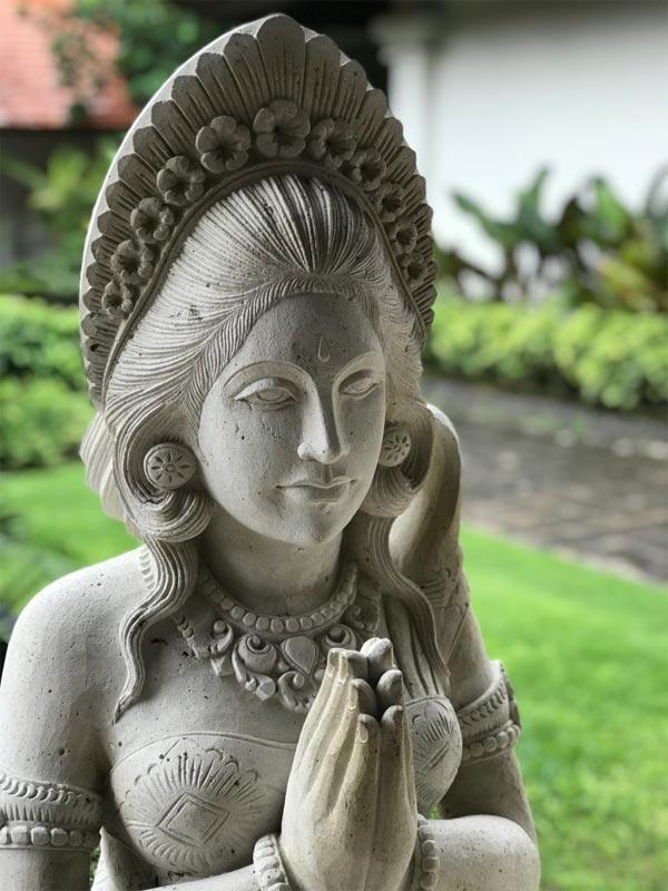 GRAND HYATT NUSA DUA HOTEL REVIEW BALI statue reception area