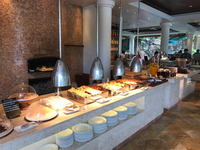 GRAND HYATT NUSA DUA HOTEL REVIEW Salsa Verde breakfast buffet