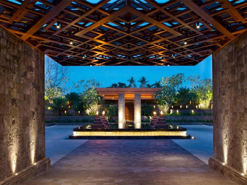HOTEL INDIGO BALI REVIEW front courtyard