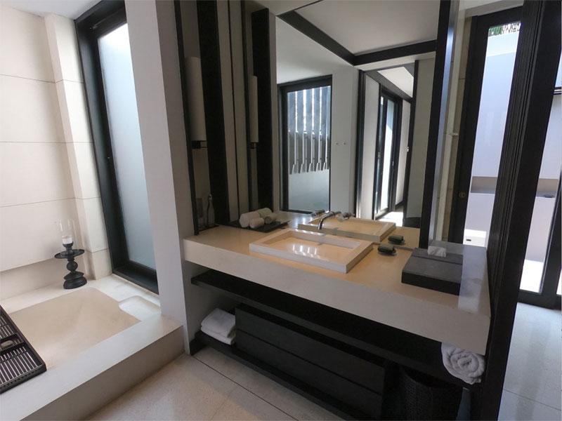 SOORI BALI bathroom