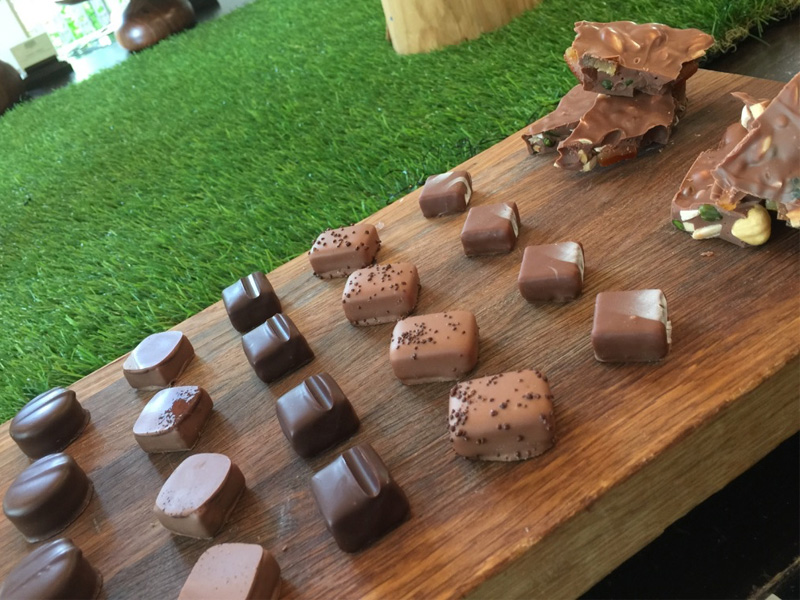 Raffles Hotel Bar & Billiard Room brunch chocolates