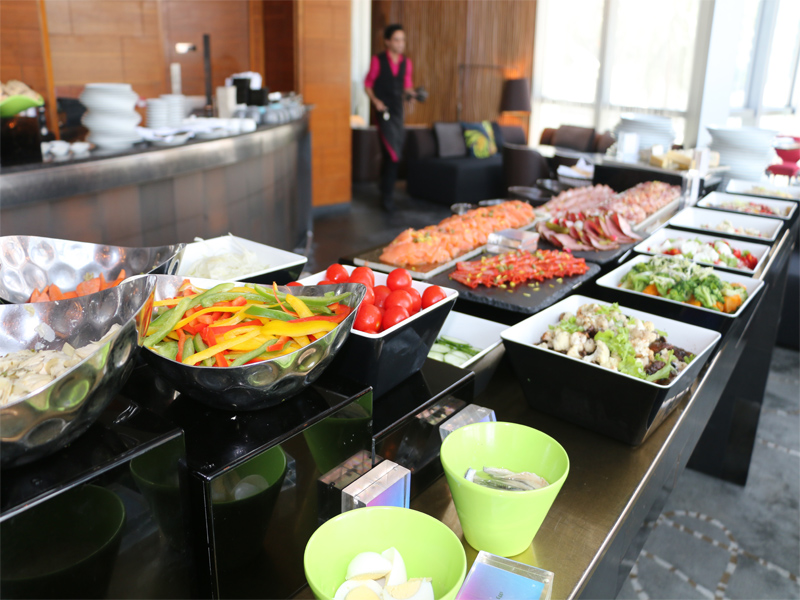 W HONG KONG Woobar healthy food buffet lunch