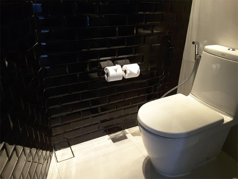 SPECTACULAR-ROOM-toilet-W-Bangkok