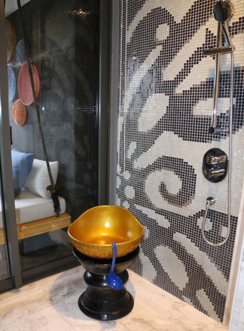 HOTEL INDIGO BALI REVIEW bathroom
