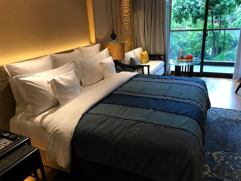 HOTEL INDIGO BALI REVIEW king bed